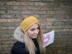 Be beautiful in winter! Warm and gentle ear warmer. Knitting with love Handmade Items, Handmade Gifts, Ear Warmers, Marketing And Advertising, Winter Hats, Wool, Knitting, Trending Outfits, Awesome