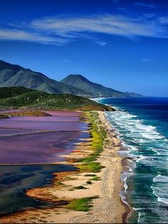 Isla Margarita, Venezuela what a beautiful color display ! Places To Travel, Places To See, Travel Destinations, Travel Europe, Dream Vacations, Vacation Spots, Places Around The World, Around The Worlds, Beautiful Beaches