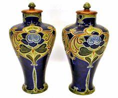Par de vasos em porcelana Inglesa Royal Doulton do sec.19th, 39cm de altura, 1,590 USD / 1,440 EUROS / 5,200 REAIS / 10,610 CHINESE YUAN
