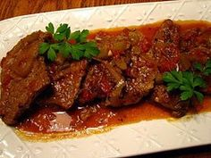 HCG Diet Recipes - Crockpot Swiss Steak Recipe~ I didn't know their were HCG Recipes. I thought it was just. Crockpot Swiss Steak Recipes, Slow Cooker Recipes, Crockpot Recipes, Cooking Recipes, Seitan, Healthy Recipes, Hcg Meals, Diet Meals, Eating Clean