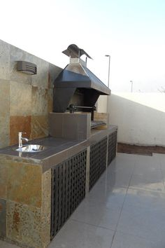 Barbecue Patio Ideas – With the weekend drawing to a close and summer just on the way, getting a barbecue station running might be an idea on the top of your mind. Outdoor Kitchen Cabinets, Diy Outdoor Kitchen, Patio Kitchen, Backyard Pavilion, Backyard Patio, Backyard Pool Designs, Patio Design, Parrilla Exterior, Outdoor Grill Station
