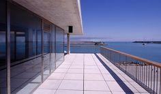 Edificio de servicios en el Puerto de Barbate |  Estudio Enrique Abascal > http://www.galarq.com/gl/edificio-de-servicios-en-el-puerto-de-barbate/