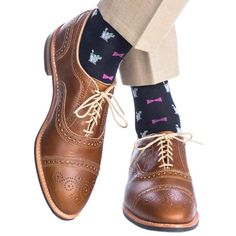 Dapper Classics Navy with Pink Bow Tie and Mint Julep Cup Cotton Sock Linked Toe Mens Evening Wear, Mint Julep Cups, Pink Bow Tie, Toe Socks, Patterned Socks, Tie Styles, Happy Socks, Cotton Socks, Men S Shoes