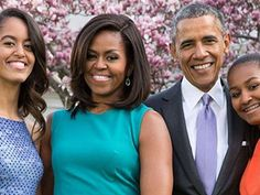 In her final state dinner, Michelle Obama looks absolutely stunning in a shimmering rose gold dress. Obama Sisters, Lazy Dog Breeds, Short Hair Designs, Elizabeth Arden Advanced Ceramide Capsules, Malia And Sasha, Sciatica Pain Relief, Haunting Photos, Barack And Michelle