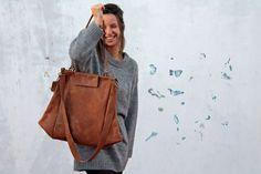 Leather bag/oversize/brown color/for van CarmelGoldental op Etsy