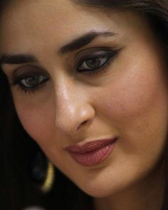 kareena kapoor fap face at DuckDuckGo Indian Actress Hot Pics, Indian Bollywood Actress, Beautiful Bollywood Actress, Bollywood Actors, Bollywood Celebrities, Indian Actresses, Kareena Kapoor Photos, Kareena Kapoor Khan, Kareena Kapoor Bikini