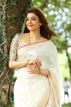 South Indian Actress NARGIS DUTT - (BORN FATIMA RASHID; 1 JUNE 1929) PHOTO GALLERY  | UPLOAD.WIKIMEDIA.ORG  #EDUCRATSWEB 2020-04-30 upload.wikimedia.org https://upload.wikimedia.org/wikipedia/commons/thumb/e/e9/Nargis_-_Hindi_Movie_Actress_%287%29.jpg/412px-Nargis_-_Hindi_Movie_Actress_%287%29.jpg