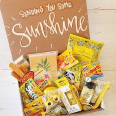 47 Fantastic Box of Sunshine Ideas for Spreading Happiness - Care Package Birthday Presents For Friends, Cute Birthday Gift, Birthday Box, Friend Birthday Gifts, Friend Gifts, Birthday Hampers, Birthday Gift Baskets, Cheer Up Basket, Cheer Up Gifts