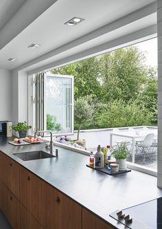 Kochen mit Genuss: Moderne Küche Fenster Ideen - Cooking with Enjoyment: Modern Kitchen Window Ideas - Home Decor Kitchen, Kitchen Interior, Home Interior Design, Home Kitchens, Decorating Kitchen, Kitchen Modern, Interior Modern, Open Kitchen, Patio Kitchen