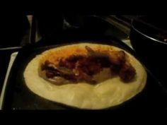 Ricos burritos  con chorizo - La receta de la abuelita