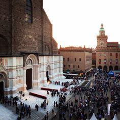 Piazza Maggiore festeggia San Petronio, Bologna - Instagram by andband
