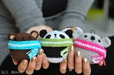 Crochet Toys Ideas 9 Free, Easy Amigurumi Patterns For Beginners! - Want to start making amigurumi (tiny crochet toys)? Grab some free beginner amigurumi patterns here, and you'll have dozens of cute creations in no time! Easy Amigurumi Pattern, Crochet Teddy Bear Pattern, Crochet Amigurumi, Crochet Bear, Crochet Animals, Crochet Dolls, Crochet Patterns, Bear Patterns, Amigurumi Tutorial