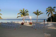 Islamorada wedding at Coconut Cove Resort & Marina in the Florida Keys. photography by Magda Bates  www.coconutcove.net