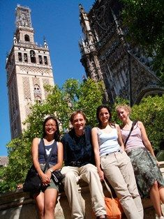 10% discount on accomodation-language school in Sevilla. CLIC International House; Seville's Spanish Language school since 1983