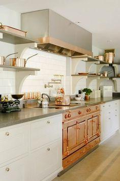 Ces meubles de cuisine, les poignées des placards sont tout ce que j'aime.