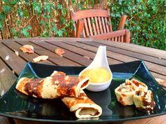 Pancake mit Apfelmark - ohne Zucker und low carb  Zutaten sind: - ungesüßte Mandelmilch - Eier - Vanille-Proteinpulver - Prise Salz - Apfelmark  Nährwerte findest du auf meinem Blog