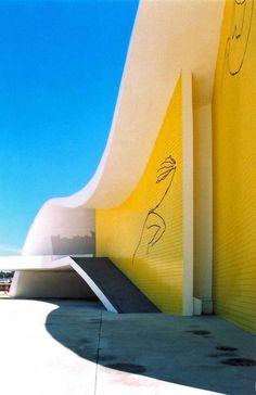 Oscar Niemeyer, Marcela Grassi · Teatro Popular de Niteroi
