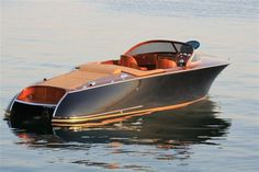 Bilderesultat for classic boats Yacht Design, Boat Design, Course Vintage, Yatch Boat, Wooden Speed Boats, Classic Wooden Boats, Classic Boat, Modern Classic, Small Yachts