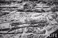 بناء السد العالي وصور جويه للمشروع مبين في صوره١ (A/B) مكان المشروع ١/٤- مصر سنه١٩٦٠