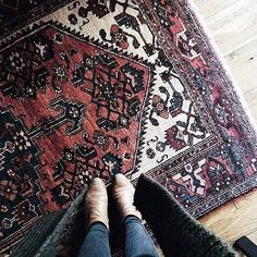 one of our favorite rugs has found a new home! thanks for the pic @laurajude_ . several new sizes + styles arriving this week! . . . #TKathome #antique #vintage #rug #etsy #reclaimed #wood #furniture #homestyle #vintagestyle #vintagehome #midcentury #interiordesign #interiorstyling #foundforaged #livefolk #kansascity #kcmo #midwest #momentswithsunday