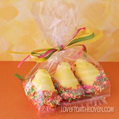 Perfect!! I needed a goody bag ideas for Kaleb's Easter party! :)