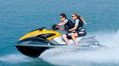 Jet Ski (motos de agua) Para disfrutar de 1 o 2 personas por Jet Ski en un circuito cerrado a 200 metros de la costa, donde siempre habra monitor.