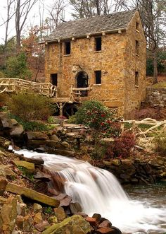 "The Old Mill, in North Little Rock, Arkansas.  The mill was seen in the opening scenes of David Selznick's 1937 movie classic ""Gone With The Wind"""