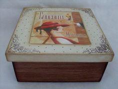 caixa patina Cigar Boxes, Altered Boxes, General Crafts, Casket, Stencils, Decorative Boxes, Ideas, Vintage, Home Decor