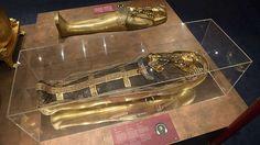 Der Fluch des Pharao-Im November 1922 entdeckte der englische Archäologe Howard Carter die Grabkammer des Pharaos Tutanchamun - ein ägyptischer Schatz, der seit dem 14. Jahrhundert vor Christus unberührt war. Am 16. Februar 1923 wurde die Kammer dann geöffnet. Wenige Monate nach der Entdeckung kam eine beträchtliche Anzahl an Menschen auf mysteriöse Weise ums Leben. Alle standen in irgendeiner Weise mit dem Grab in Verbindung und erlagen schwerem Fieber oder Blutvergiftungen, wurden…