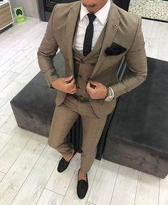 best quality suit for men: suit quality style change attitude for men? Best Mens Fashion, Mens Fashion Suits, Mens Suits, Best Suits For Men, Cool Suits, Taxido Suit, Best Casual Shirts, Suit Combinations, Classy Suits