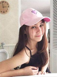 vanesha prescilla hot hd at DuckDuckGo Meanie, Baseball Hats, Asian, Poses, Hot, Sexy, Chara, Random, Figure Poses