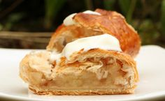 Viennese Apple Strudel - Recipe Apple Turnovers, Apple Strudel, Deutsche Desserts, German Desserts, German Recipes, Austrian Cuisine, Strudel Recipes, Best Oven, No Bake Pies