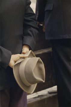 Saul Leiter, Hat, 1956. Courtesy Howard Greenberg Gallery, New York
