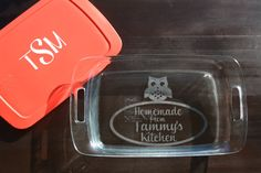 I want this! But would make an awesome wedding or shower gift too!  3 Qt 9x13 Custom Etched Pyrex Glass Baking Dish by KGCustomDesigns, $30.00