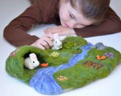 Spring Felted Rabbits Playmat Set  EcoFriendly Kids par SewnNatural, $70.00
