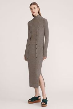 Theory - Resort 2016 - Look 11 of 21?url=http://www.style.com/slideshows/fashion-shows/resort-2016/theory/collection/11