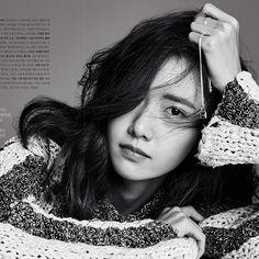 #Yoona @yoona__lim  Photographer : @kimheejune Creative Director : KangJiHye Fashion Editor : JooGaEun Features Editor : KimAReum for #ElleKorea February issue'16 #louisvuitton #YoonaxPaperiidoll . • • #kpop#kpopidol#hallyu#koreanidol#model#magazine#koreanstar#koreandrama#kdrama#editorial#actress#koreanactress#singer#girlsgeneration#snsd#beauty#makeup#style#stylish#womenswear#소녀시대#윤아#임윤아