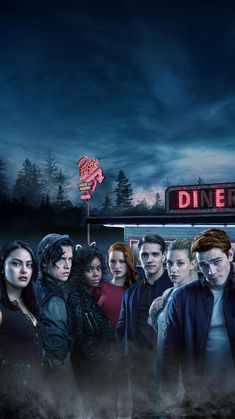 Cole Sprouse with the cast of Riverdale Riverdale Netflix, Riverdale Cw, Riverdale Aesthetic, Riverdale Funny, Riverdale Memes, Riverdale Season 1, Riverdale Betty, Sprouse Cole, Riverdale Wallpaper Iphone