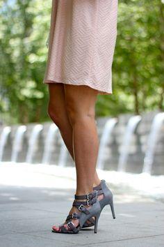 High heeled sandals//