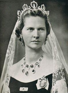 | H.R.H. Princess Sibylla of Saxe-Coburg and Gotha, Princess of United Kingdom (1908-1972) wearing THE CONNAUGHT TIARA |