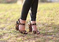 Sandália de onça
