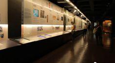 No lugar de paredes, vozes. No lugar de obras, espaços interativos. Este é o Museu da Língua Portuguesa que você vai conhecer neste episódio do Andando por SP.