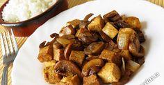 Receta de salteado de tofu y champiñones con salsa de soja. Plato ligero y fácil que se puede acompañar con arroz, cuscús o pasta.