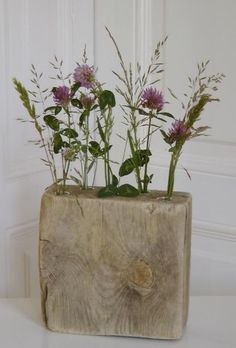 Big drill bit and test tubes. : Big drill bit and test tubes. Test Tube Crafts, Decoration Plante, Wood Vase, Driftwood Crafts, Deco Floral, Wood Interiors, Nature Crafts, Flower Crafts, Wood Projects