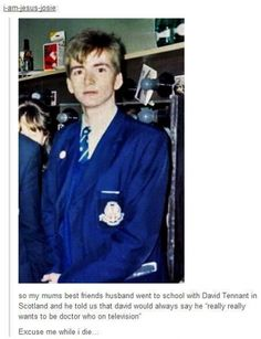 David Tennant (IS THAT TARDIS BLUE??), IVE SEEN THIS PIN A THOUSAND TIMES AND NEVER LOOKED AT IT CLOSELY!!! ITS TENNANT