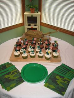Simple cupcake idea for Army theme party