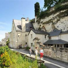 Week end troglodyte en Anjou Val de Loire Architecture, Tuscany, Places Ive Been, Medieval, Europe, France, Island, Mansions, House Styles
