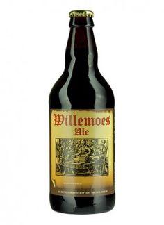 """WILLEMOES ALE / Ale – 5,2% vol.  Willemoes Ale er brygget af pilsnermalt og den bedste humle fra amerikanske humleplanter. Gæret med vores egen overgær.  Smagen er afstemt med farin og lakrids, hvorved den rette balance mellem sødme og fylde opnås.  """"En øl, som både kvinder og mænd falder for""""."""