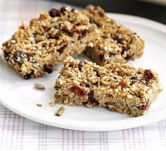 granola with berries cherries recipe BBC Good Food, granola, and Mixed Berry Granola Fix Me a Little Lunch. Bbc Good Food Recipes, Super Healthy Recipes, Healthy Snacks, Bar Recipes, Recipies, Snack Recipes, Healthy Cereal, Camping Recipes, Camping Ideas