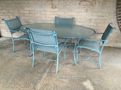 Brown Jordan Outdoor Patio Table with 4 Chairs